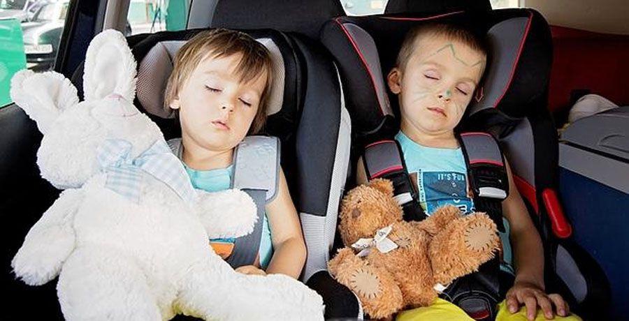Ventur Travel, Viajar con niños de noche.jpg
