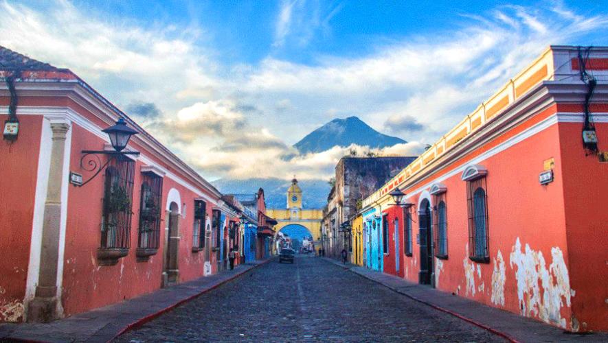Ventur Travel, Antigua Guatemala.png